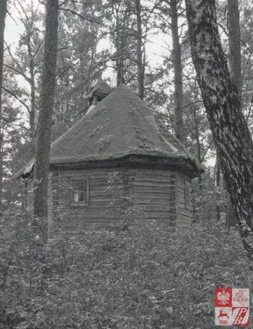 Kaplica_w_Stankiewiczach_stan_z_2007-480x624