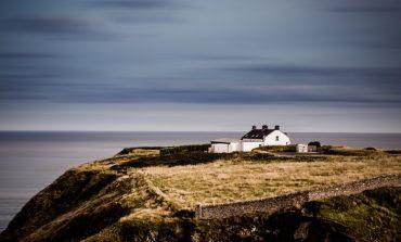 Nieoficjalnie: Rosyjskie służby próbują dostać się do strategicznych światłowodów biegnących u wybrzeży Irlandii