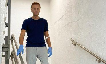 Nawalny wychodzi ze szpitala. Rzecznik Kremla zaprasza go do Rosji