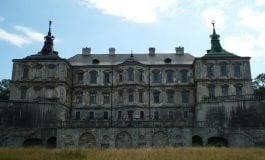 """Zamek w Podhorcach i pałac w Różanie w albumie brytyjskiego pisarza """"Opuszczone pałace"""""""