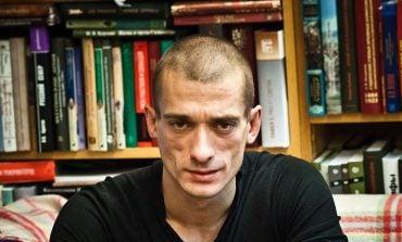 Paryż: Rosyjski performer, który skompromitował bliskiego współpracownika Macrona, został aresztowany