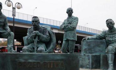 W Skierniewicach odsłonięto pomnik upamiętniający polsko-ukraińsko-węgiersko-francuską współpracę w wojnie z bolszewikami