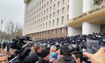 W Mołdawii protesty rolników. Traktory przed gmachem rządu i parlamentu