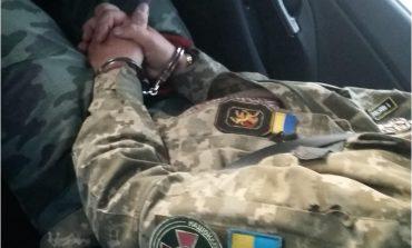 Polska policja zatrzymała pod zarzutem nielegalnego posiadania broni obywatela Niemiec podającego się za ukraińskiego generała