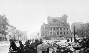 """17 stycznia: Rosja oskarża Polaków o wymordowanie w """"wyzwolonej"""" Warszawie Ukraińców i Żydów"""