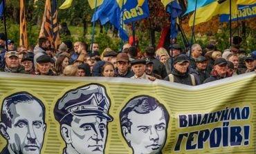 Sąd w Kijowie zawiesił decyzję władz miejskich o świętowaniu w tym roku rocznic wątpliwych bohaterów Ukrainy, w tym z OUN i UPA