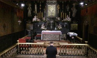 Prezydent Duda z modlitwą błagalną na Jasnej Górze - za Ojczyznę i rodaków rozsianych po świecie