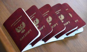 """""""Separatyści"""" z """"Donieckiej Republiki Ludowej"""" zmuszają lokalnych mieszkańców z ukraińskim obywatelstwem do wyrabiania dokumentów """"republikańskich"""""""