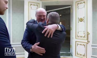 Szef Międzynarodowej Federacji Hokeja tłumaczy się z zażyłości z Łukaszenką