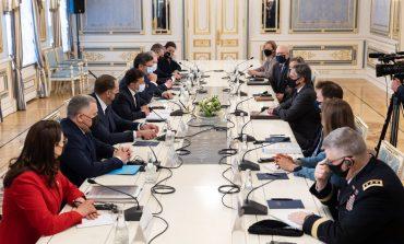Sekretarz stanu USA: Rosja i rodzimi oligarchowie przeszkadzają reformom i walce z korupcją na Ukrainie