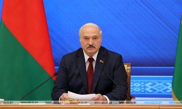 """Łukaszenka: Putin obiecał """"wszelką pomoc"""" przy próbach destabilizacji sytuacji na Białorusi"""